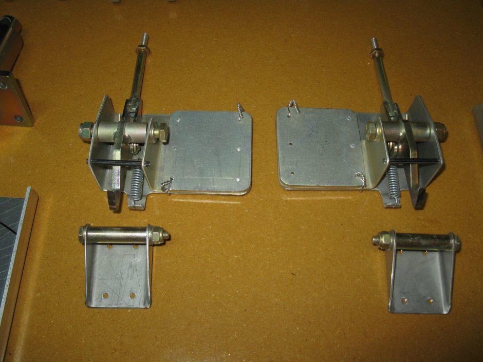 Stewart 51 - Inner Gear Door Locks